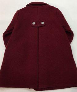 Abrigo de lana cocida, color granate