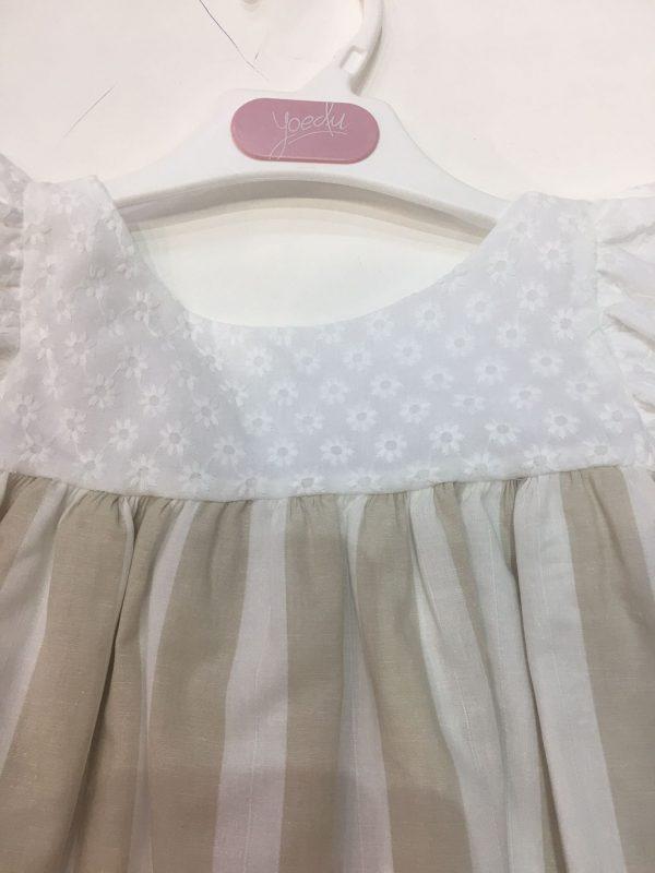 Vestido de rayas blanco y arena
